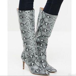 New Steve Madden Kinga blue heel boots